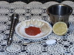 Garlic chtney ingredients, pestel and mortar