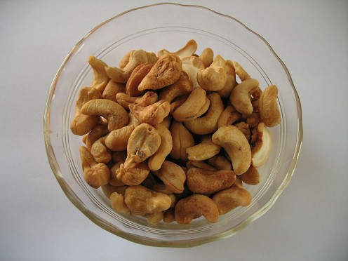 Cashews and other nuts are another source of magnesium