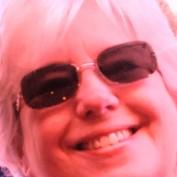 DebeT profile image