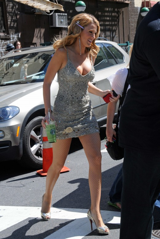 Blake Lively on set in pumps and sexy dress