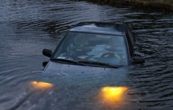 Need-to-know-steps on how to escape from a sinking car