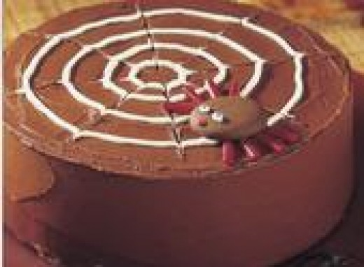 Halloween Food Ideas: Spider Web Cake