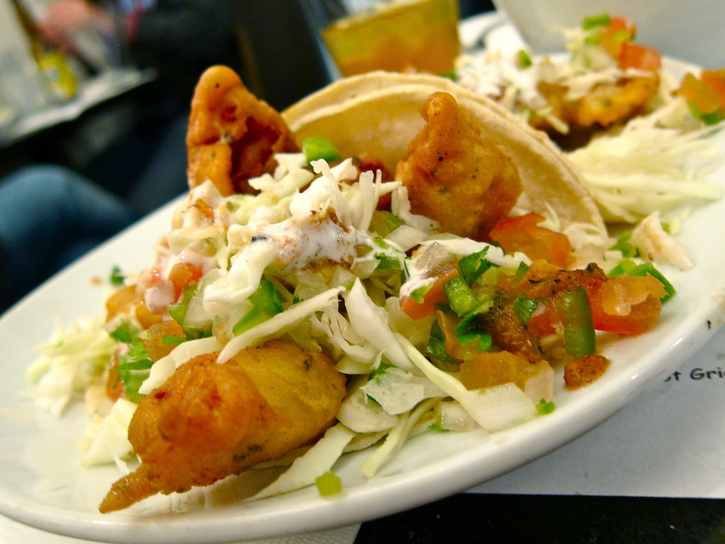 Beer battered baja fish tacos recipe delishably for Beer battered fish tacos recipe