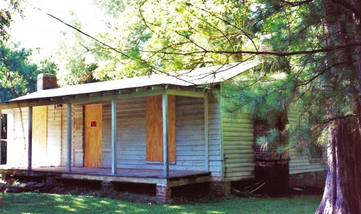 Old servant's quarters at Rowan Oak