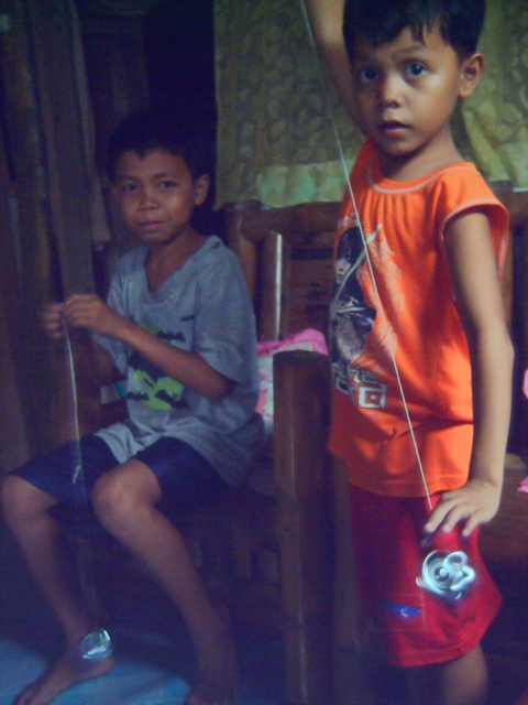 The Yo-Yo Brothers aka Budoy & Bunso (Photo by Ireno A. Alcala)