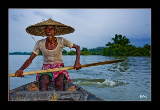 Boatman at Chatla, by debraj, from trekearth.com
