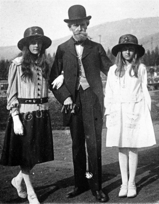 Clark and daughters