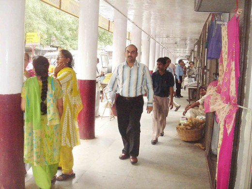 Famous Rajma Wala is located in Shankar Market CP