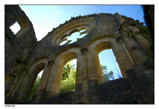 During the French Revolution, in June  1793, the abbey was sacked and burned down by revolutionary troops.