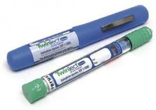 Epinephrine injector for severe allergic reaction