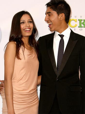 Freida Pinto and Dev Patel (Photo courtesy of http://a9.vietbao.vn/)
