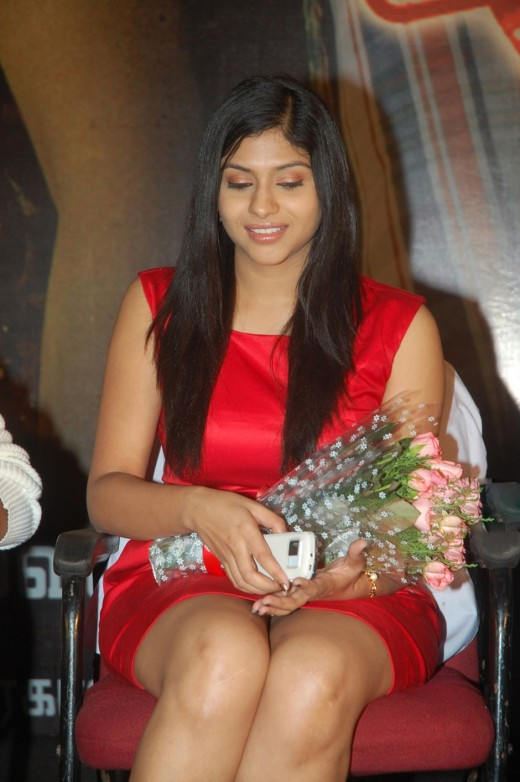 Lakshmi Nair thunder thigh show in sexy red skirt or dress