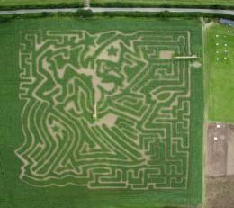 Smeaton Farm 2007 Maze, from the air.