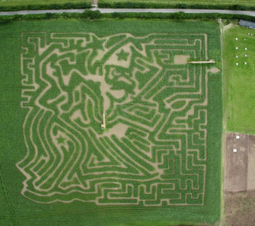 Smeaton Farm 2007 Maze, from the air.