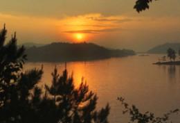 Carters Lake at Sunset!