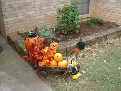 Make A Cheery Pumpkin Hay Wagon