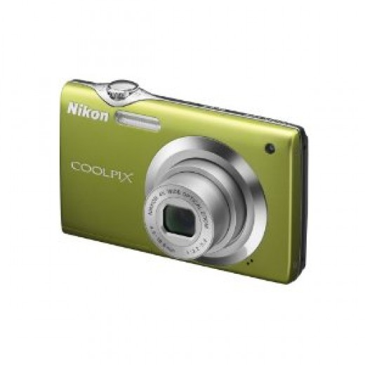 Nikon Coolpix S3000 12 MP Digital Camera with 4x Optical Vibration Reduction (VR) Zoom and 2.7-Inch LCD (Green)