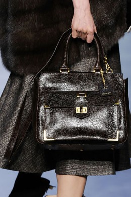 Вязанные сумки крючком журнал хозяюшка: сумки левит, сумка versus.