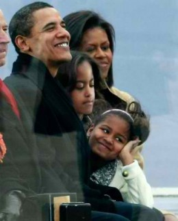 US President Obama and his family (Photo courtesy of http://www.accesshollywood.com/)