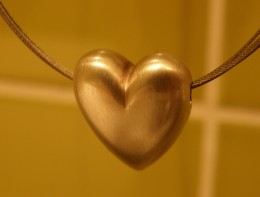 Gold pendants are often thought of as heart necklaces, but they can come in different shapes.