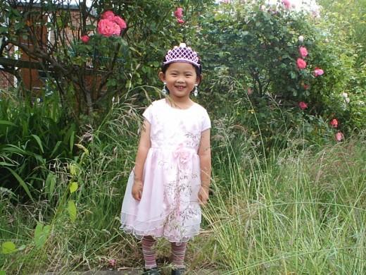 Grass in my garden are taller than my daughter