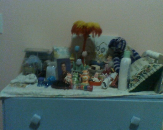 Bureau with princess figurines and baskets