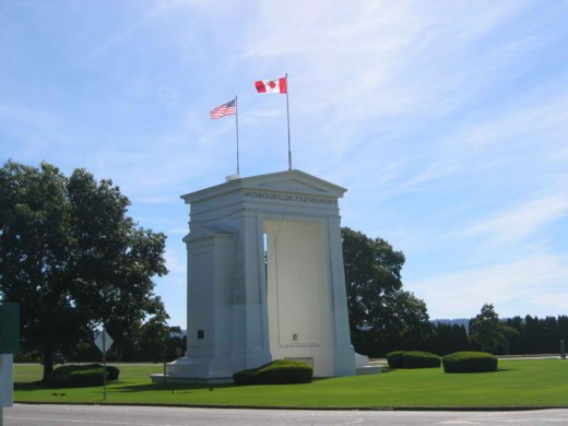 Canadian face of the Peace Arch monument at Peace Arch Park. Surrey, BC, Canada. (Uploaded by Arnold C (User:Buchanan-Hermit)