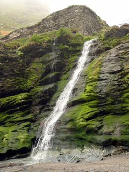 Tintagel Castle, King Arthur Legend: Tintagel Beach Waterfall