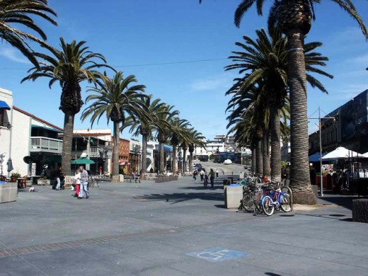 View Of Hermosa Pier Plaza