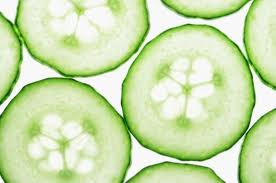 make a soothing wash with cucumbers