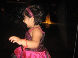 Shronika is amazed to see a beautiful and lively fountain in the background at ITC Maurya Hotels and Towers in Delhi