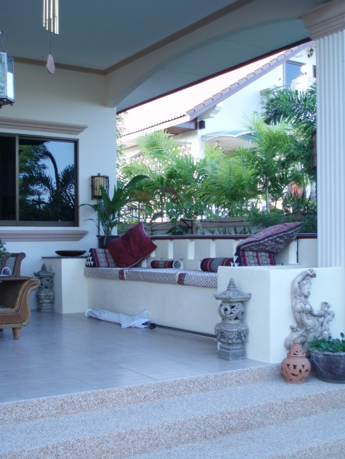 The concrete seating on the verandah