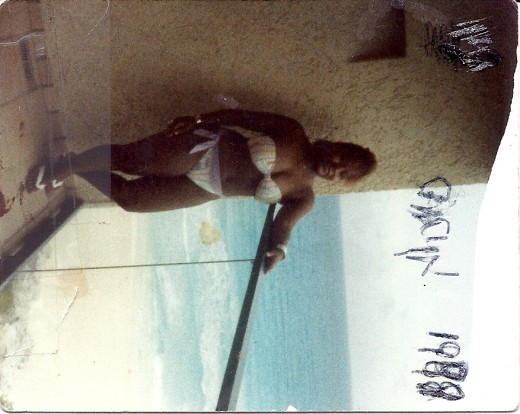 Me in Cancun in 1988 at the Hotel-InterContinnental with mom, (Anna)and younger sister, Keshia. They are nin this picture.