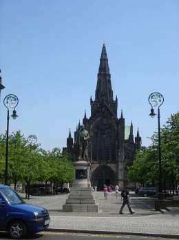 Photo taken from Castle Street, looking over Cathedral Square to Glasgow Cathedral