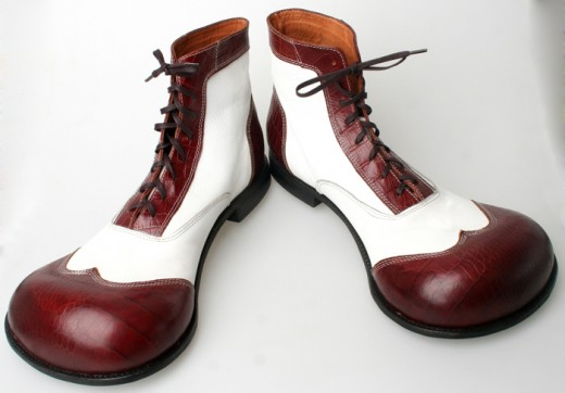 "Image Source Location: http://www.exotic-footwear.ru/eng/clown.htm    ""Exotic Shoes"" - Clown Shoes"