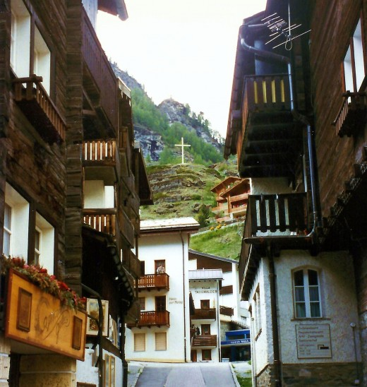 Another street scene in Zermatt