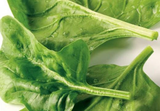fresh green salad, spinach