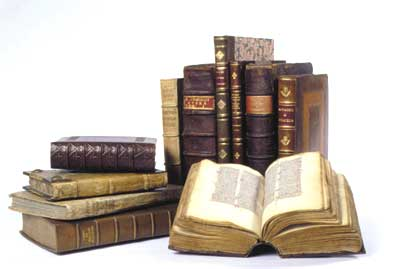 http://trilogy.brynmawr.edu/mt/trinews/Old-Books.jpg