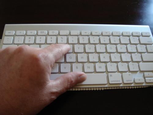 The Apple Wireless Keyboard for the Apple Mac Mini MC 238