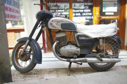 You can hire Yezdi or Enfield Bullet motorcycles in Mcleodganj.