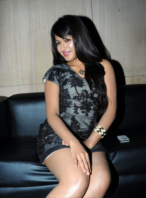 Sandalwood hot actress Catherine Tresa Showing her spicy Masala Legs