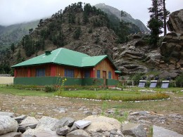 On the way to Harsil, an accommodation in Gangotri near Harsil