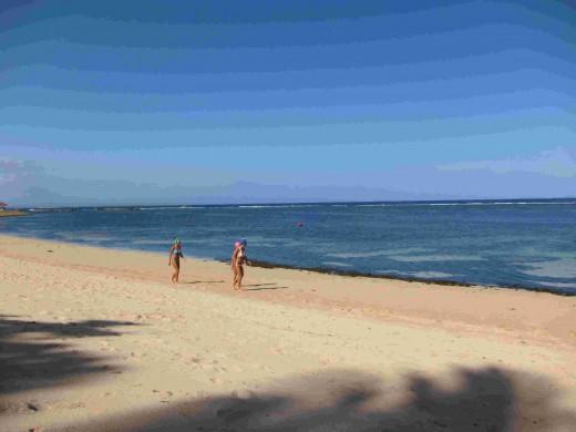 A stroll on Nusa Dua Beach, Bali