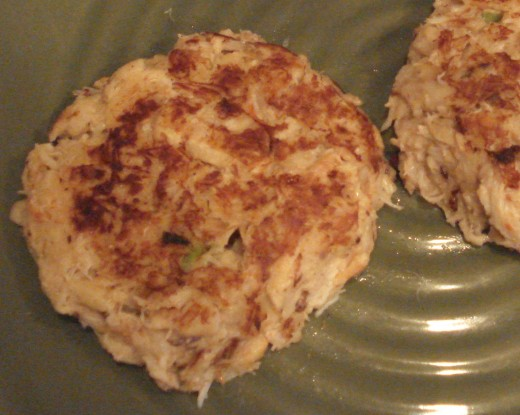This is the best lump crab cake recipe ever.