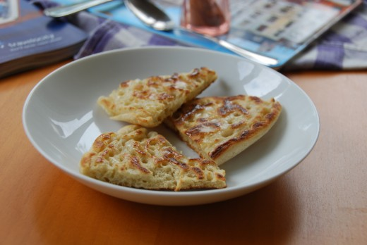 Don't have crumpet molds? No worries! You can just make a couple of giant crumpets and cut them into wedges ;)