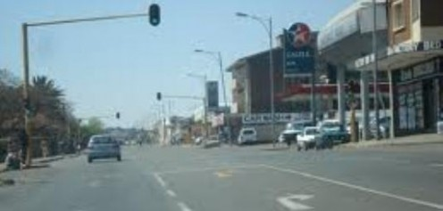 Driving through Krugersdorp © Martie Coetser