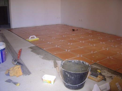 we are laying the floor of the gite.