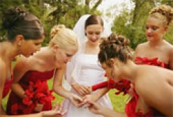 Bridesmaids' Duties: What Do They DO?