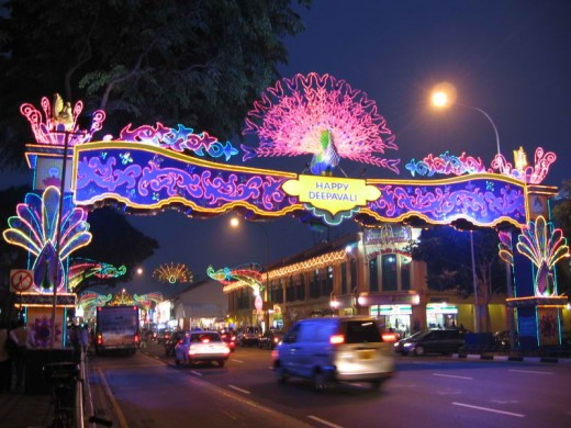 Deepavali (DIWALI)at Little India, Singapore (Photo taken by Sengkang in Oct 2006.)