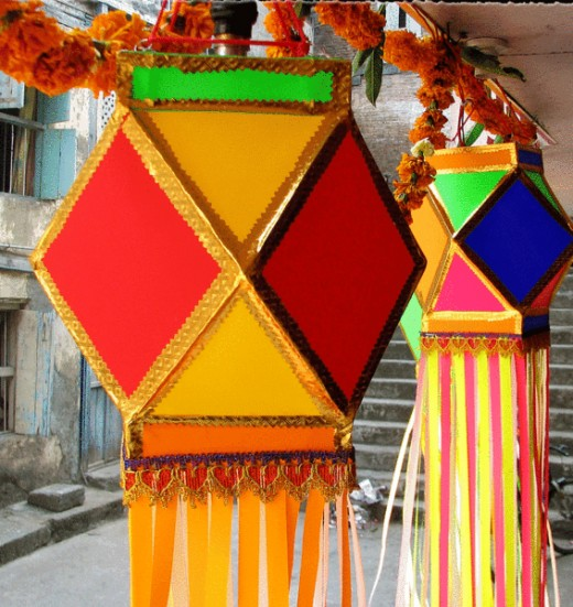 Made from Bamboo, and fixed with starch, thread, the traditional Indian lanterns are in great demand, especially during the festival of Diwali. (Photo take by Prashant Pardeshi 16Oct2008)